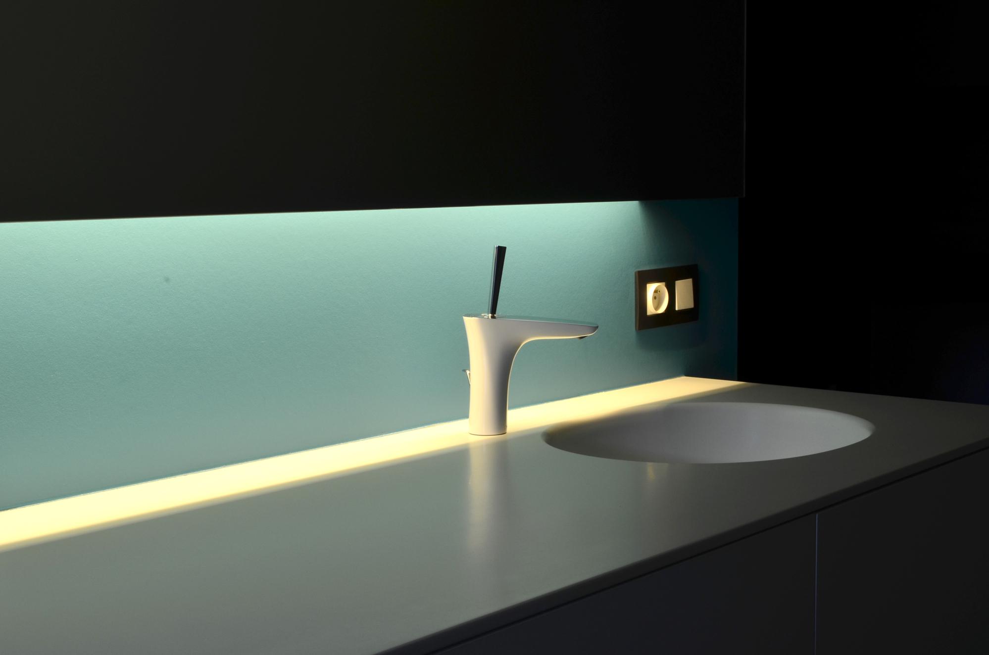 Corian Badkamer Wanden : Corian badkamer. corian badkamer wanden goedkoop corian badkamer
